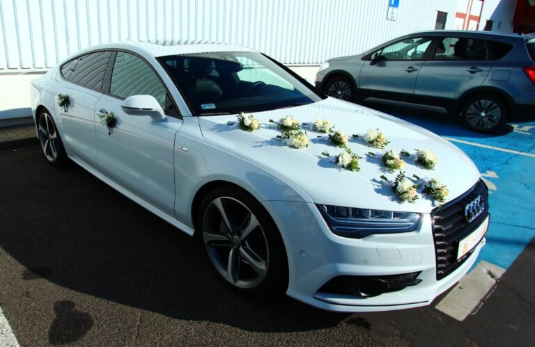 ślubny samochód