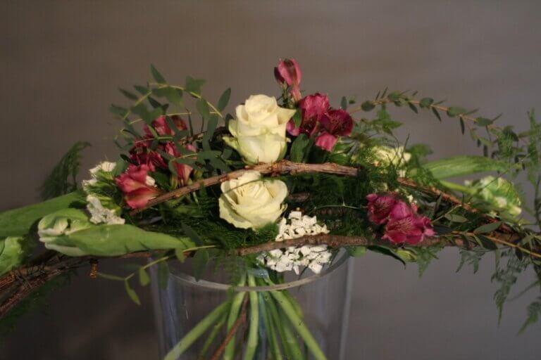 wiązanka z białych róż